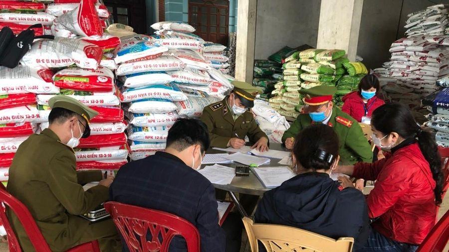 Lạng Sơn: Tiêu hủy hơn 3 tạ phân bón hết hạn sử dụng