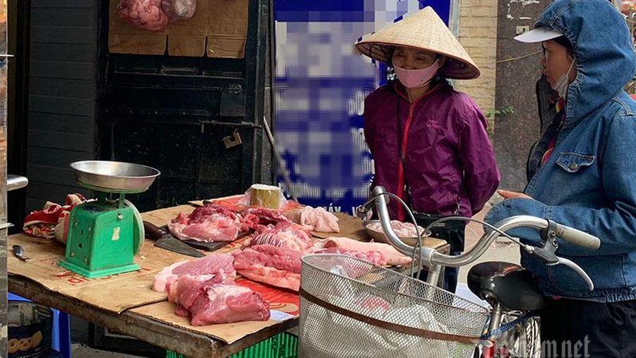 Quyết không giảm giá thịt lợn, ăn lãi đậm giữa thời lo toan dịch bệnh