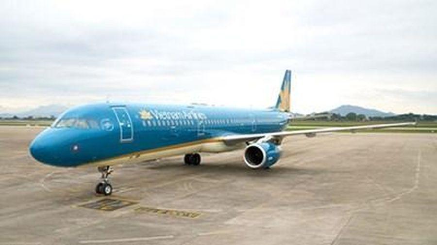 Khẩn cấp tìm hành khách trên ba chuyến bay có người mắc Covid-19