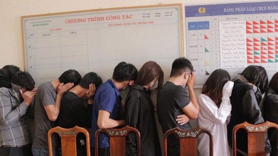 Nhóm thanh niên Nghệ An nữ sử dụng ma túy đá trong khách sạn tại Hà Tĩnh