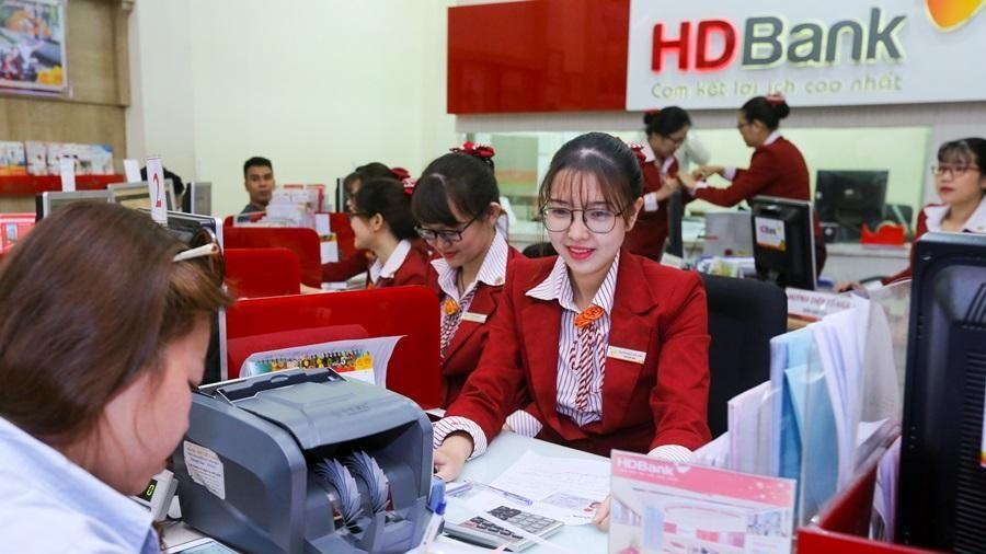 Ngân hàng HDBank mua bảo hiểm Corona Guard cho người lao động