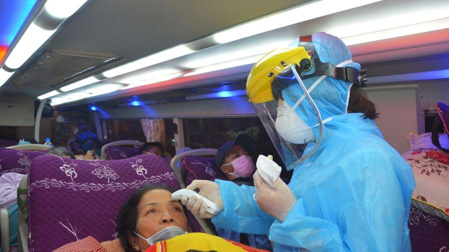 Hình ảnh Đà Nẵng xuyên đêm làm nhiệm vụ phòng chống dịch COVID-19