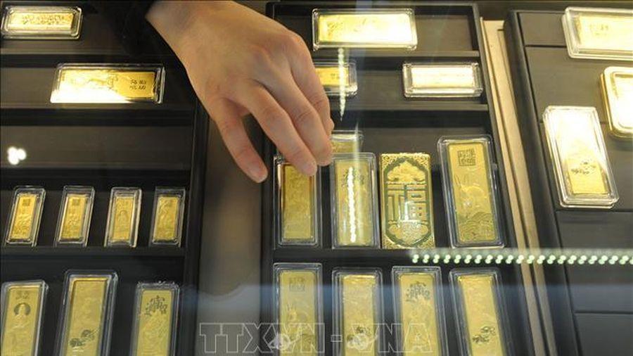 Giá vàng thế giới quay đầu giảm 3% trong phiên 19/3