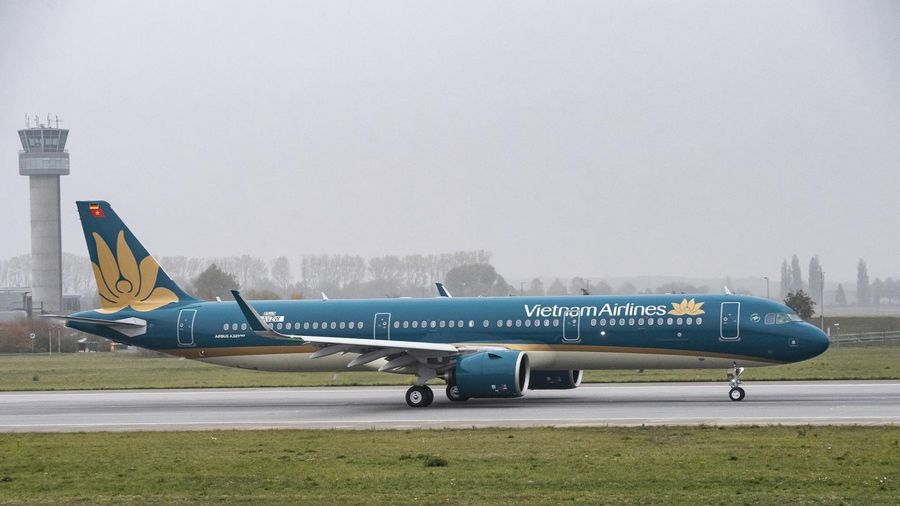 Vietnam Airlines tạm dừng các chuyến bay quốc tế, riêng đường bay đến Anh, Đức vẫn khai thác