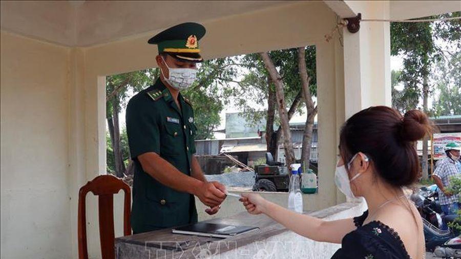 Campuchia đề nghị Việt Nam phối hợp để vận tải hàng hóa qua biên giới không gián đoạn