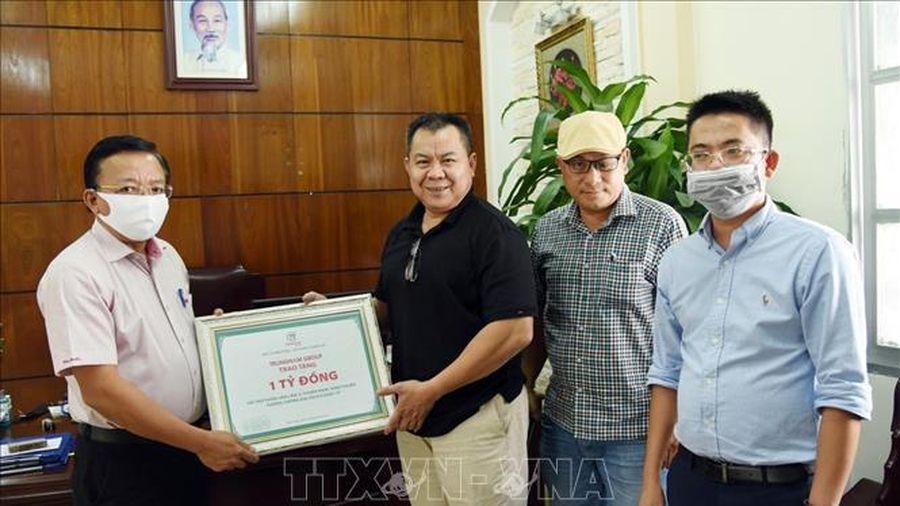 Chung tay chia sẻ khó khăn với người dân vùng dịch ở Ninh Thuận