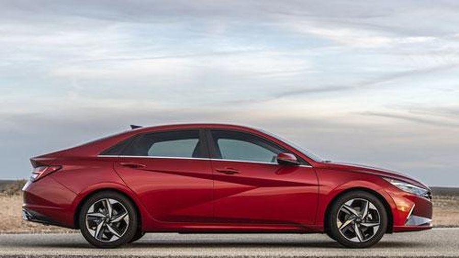 Cận cảnh Hyundai Elantra 2021 vừa trình làng, cạnh tranh với Mazda3, Honda Civic