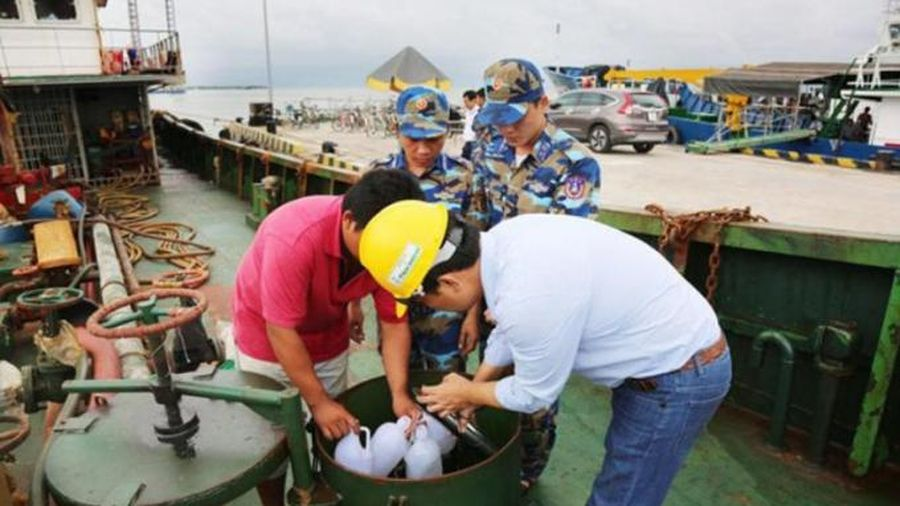 Bà Rịa - Vũng Tàu: Khởi tố thuyền trưởng buôn lậu dầu trên biển