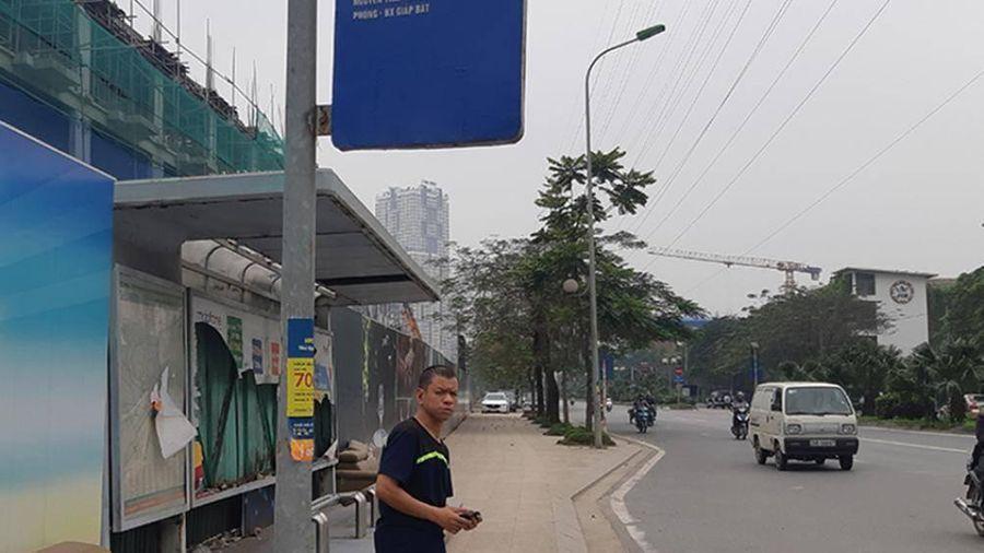 Nỗi ám ảnh khi đứng chờ xe buýt