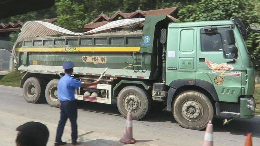 Hà Nội mạnh tay xử lý phương tiện chở vật liệu, phế thải vi phạm