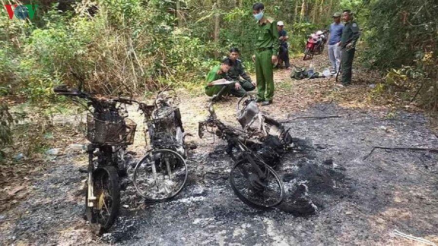 3 xe máy của cán bộ bảo vệ rừng ở Huế bị thiêu rụi