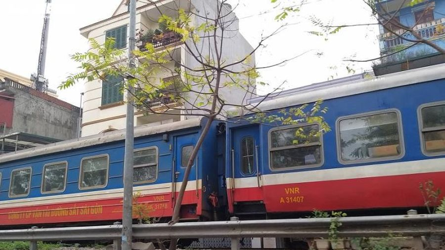 Dịch Covid-19: Đường sắt thiệt hại 90 tỷ đồng, dừng 152 chuyến