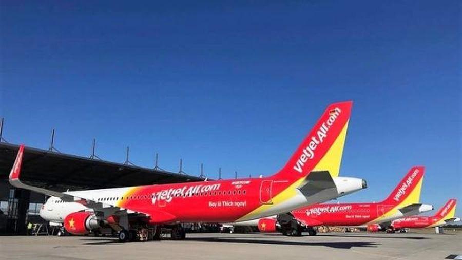 Khẩn cấp tìm hành khách trên 3 chuyến bay có người mắc COVID-19