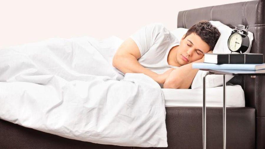 Dân Mỹ đang ít vận động và ngủ nhiều hơn khi phải ở nhà vì COVID-19