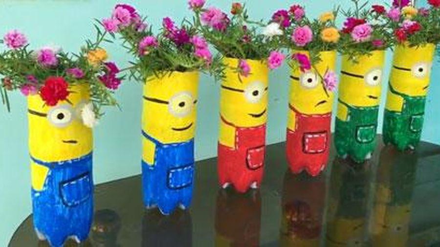 CLIP: Hướng dẫn làm chậu hoa mười giờ hình 'Minion' từ chai nhựa