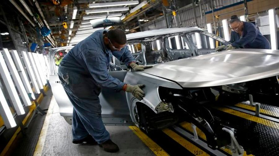 Đại địch Covid-19 khiến doanh số bán xe tại Mỹ giảm 15%