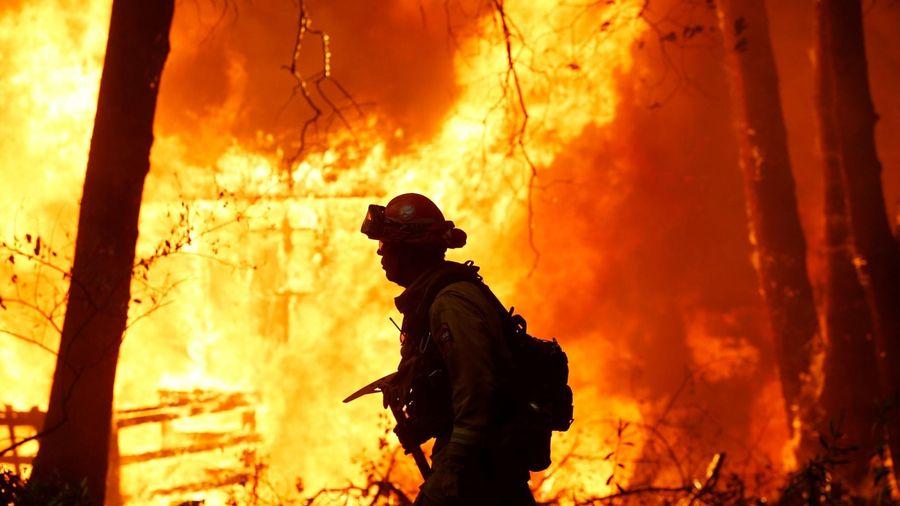 'Cháy ở Thiên đường: Một bi kịch Mỹ' và kỷ nguyên của siêu cháy rừng