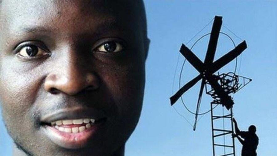 Cậu bé đưa điện, nước về ngôi làng nghèo nhất châu Phi