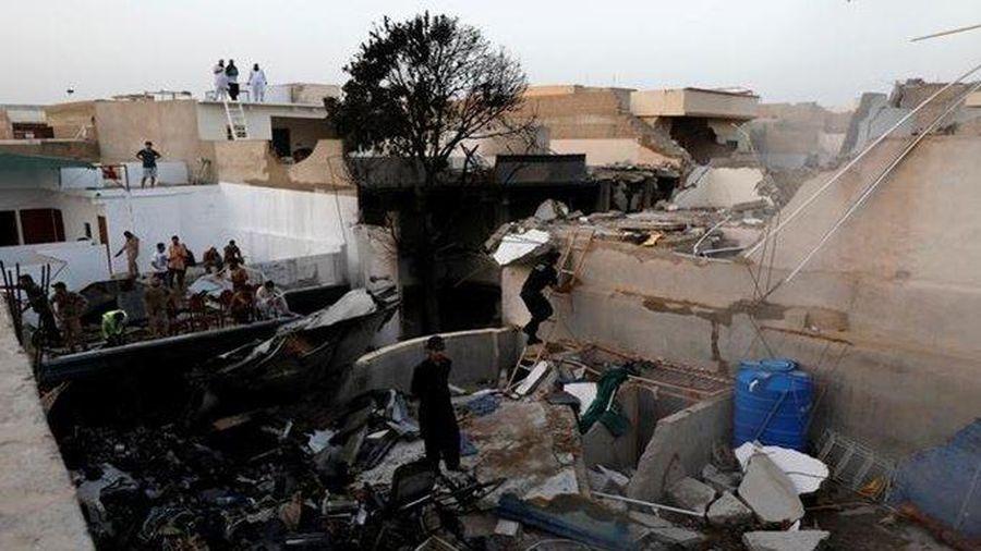 Ít nhất 76 người thiệt mạng trong vụ rơi máy bay tại Pakistan