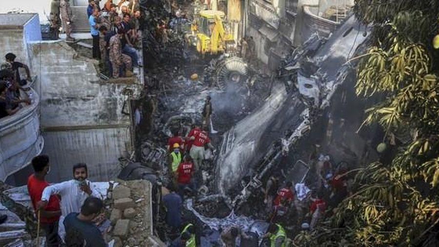 Máy bay Pakistan rơi: Nhiều nghi vấn trong đoạn ghi âm