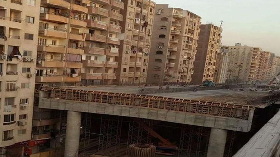 Cận cảnh đường cao tốc xây sát ban công chung cư gây bức xúc