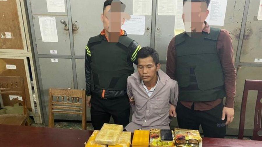 Bắt quả tang đối tượng mua bán trái phép số lượng lớn chất ma túy tại Nghệ An