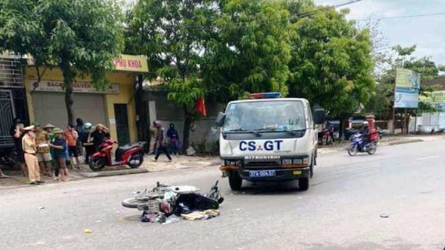 Va chạm với xe CSGT, mẹ và con gái 3 tuổi bị thương nặng