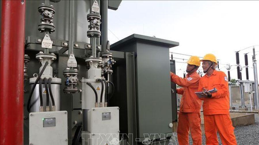 Hỗ trợ giảm giá điện, tiền điện cho trên 491.400 khách hàng tại Bình Dương