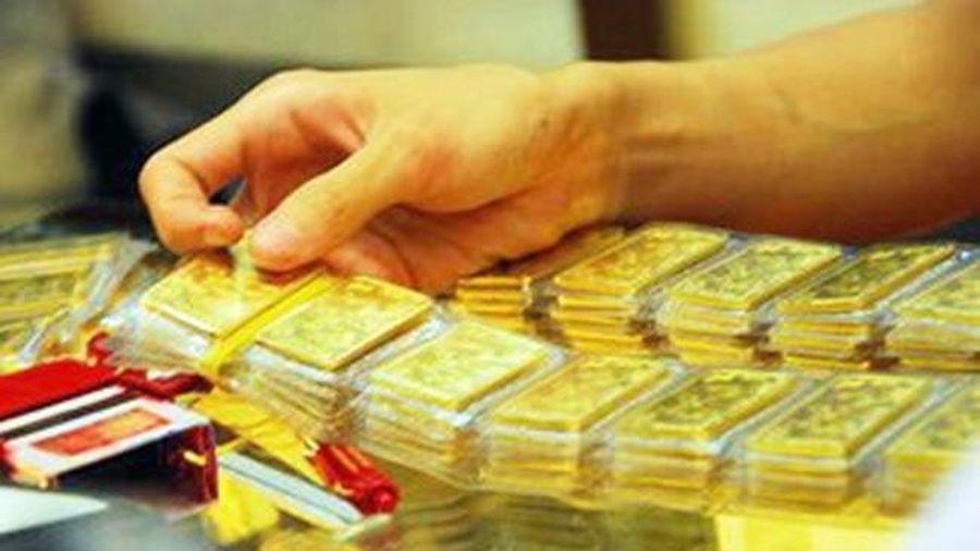 Thị trường bị 'thao túng', giá vàng không thể bứt phá?