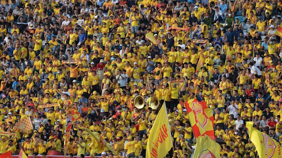 Báo chí thế giới ấn tượng với ngày hội bóng đá trở lại Việt Nam