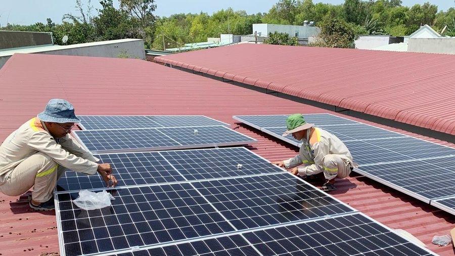 Đẩy mạnh lắp đặt điện mặt trời áp mái tại phía Nam
