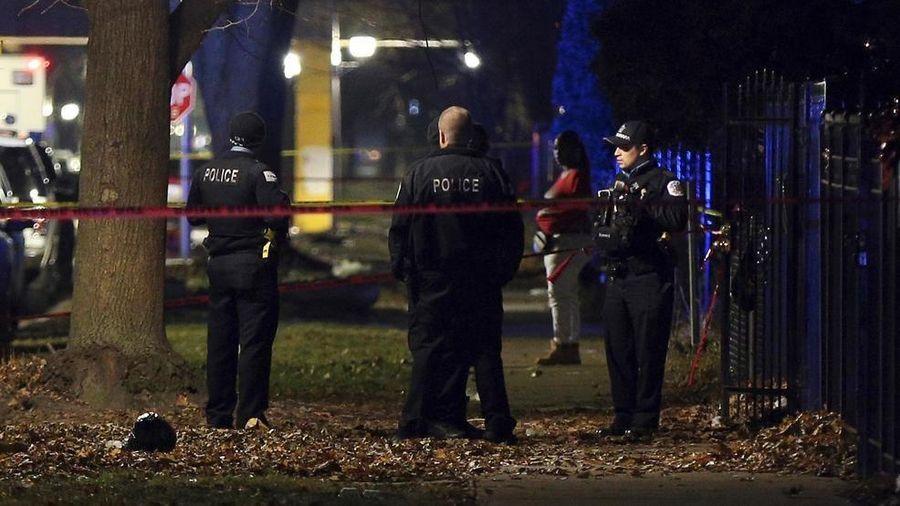 Hàng loạt vụ xả súng ở Chicago, hơn 30 người thương vong