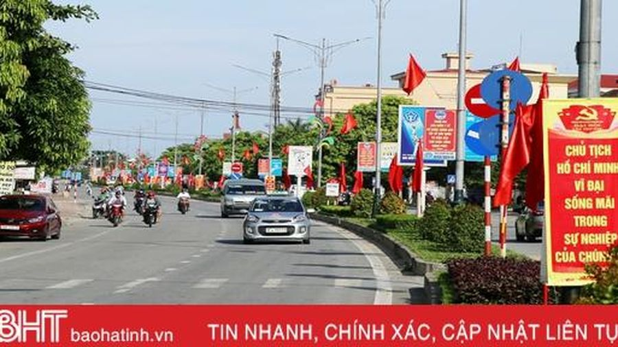 Rực rỡ cờ hoa, rộn ràng khí thế thi đua trước ngày đại hội điểm cấp huyện ở Hà Tĩnh