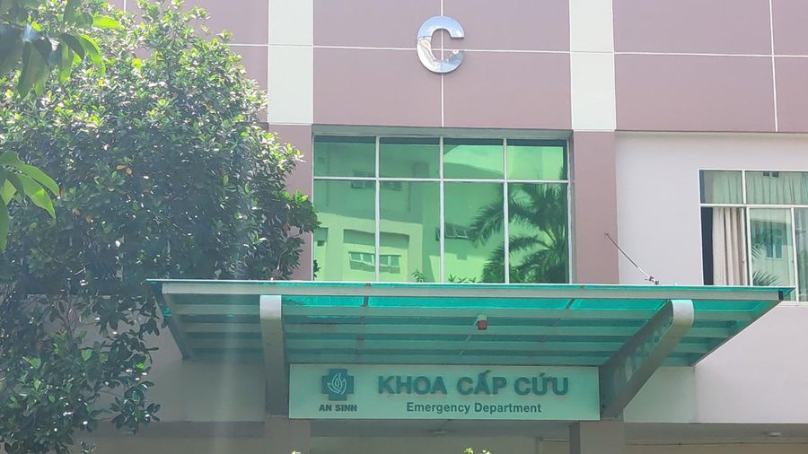 Thông tin mới nhất về tình trạng sức khỏe các học sinh bị tai nạn do cây phượng trong sân trường bật gốc