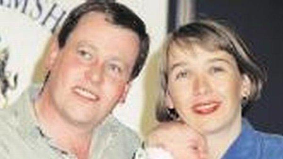 Sợ người yêu bỏ vì sảy thai, người phụ nữ vào bệnh viện bắt cóc bé gái vừa sinh về làm con