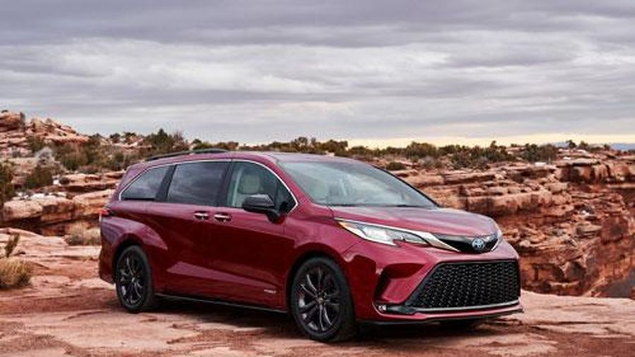 Khám phá xe minivan mới của Toyota, giá chưa công bố