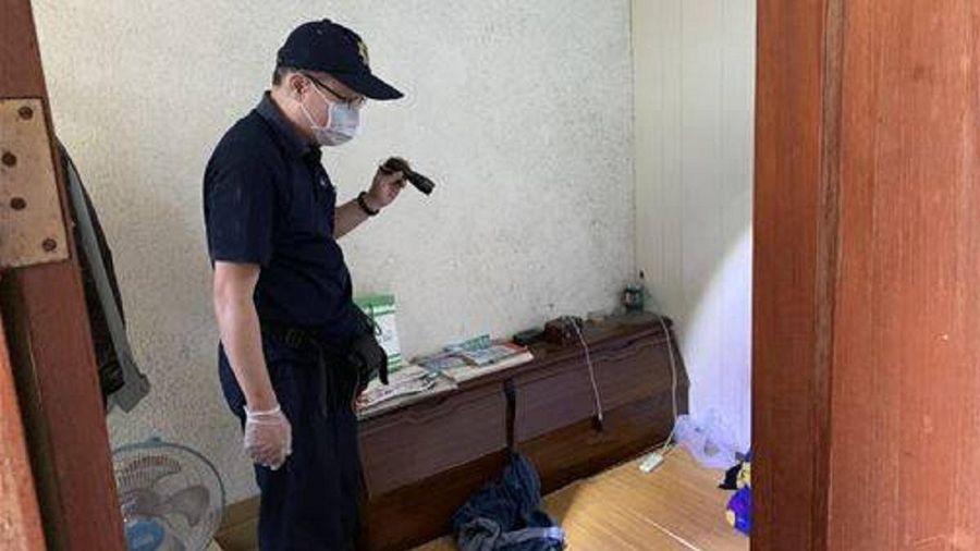 Phát hiện kinh hãi trong căn hộ bốc mùi hôi thối