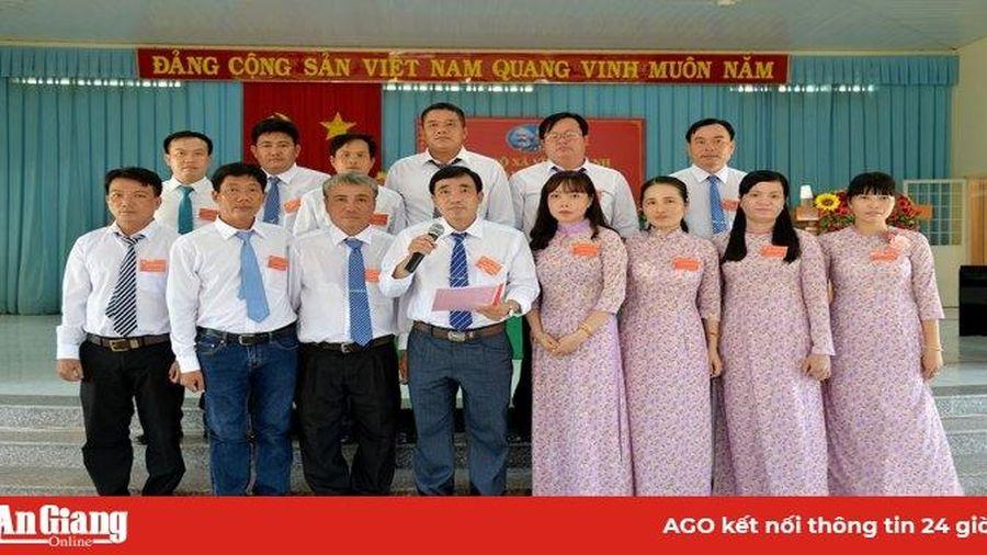 Đồng chí Nguyễn Phạm Tuấn tái đắc cử Bí thư Đảng ủy xã Vĩnh Thành khóa XI (nhiệm kỳ 2020-2025)