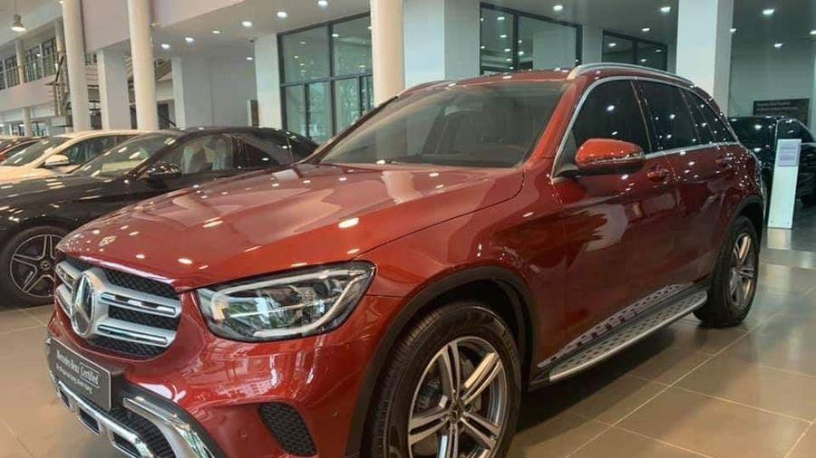 Đại lý vội bán Mercedes-Benz GLC 200 form mới khi vừa trưng bày và chạy chưa được 40km, giá 1,7 tỷ đồng