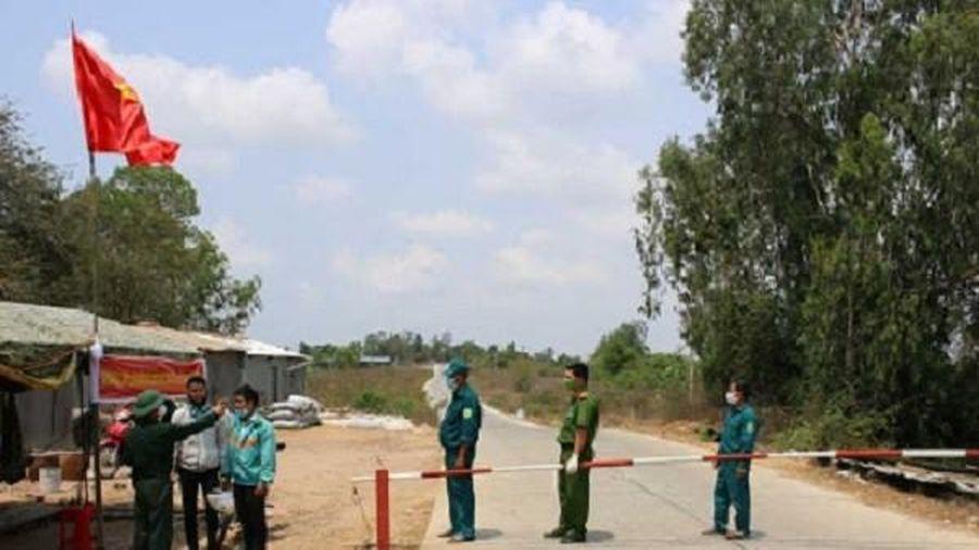 Phát hiện cô gái nghi mắc Covid-19 đi từ Trung Quốc vào Việt Nam qua đường mòn