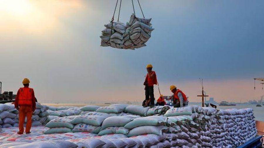 Trung Quốc bất ngờ ngừng mua nông sản Mỹ