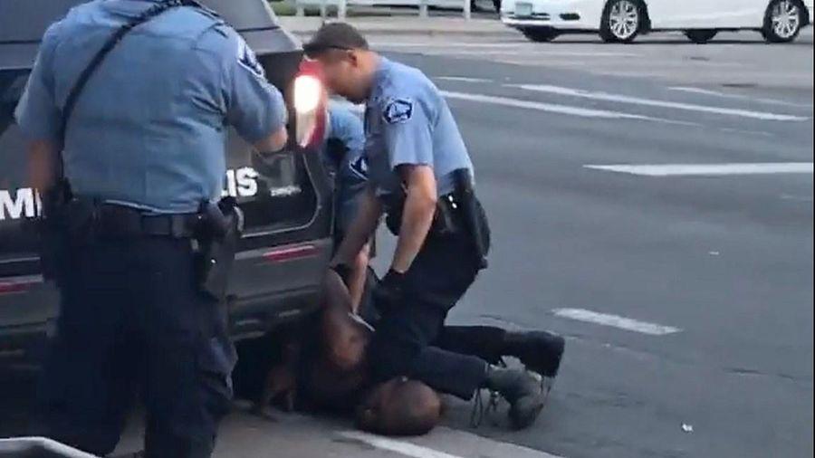Cảnh sát Minneapolis ghì cổ khiến 44 người bất tỉnh trong 5 năm