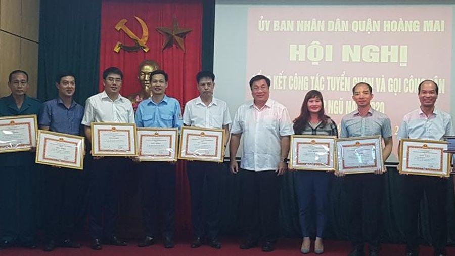 Quận Hoàng Mai: Công dân tình nguyện nhập ngũ tăng