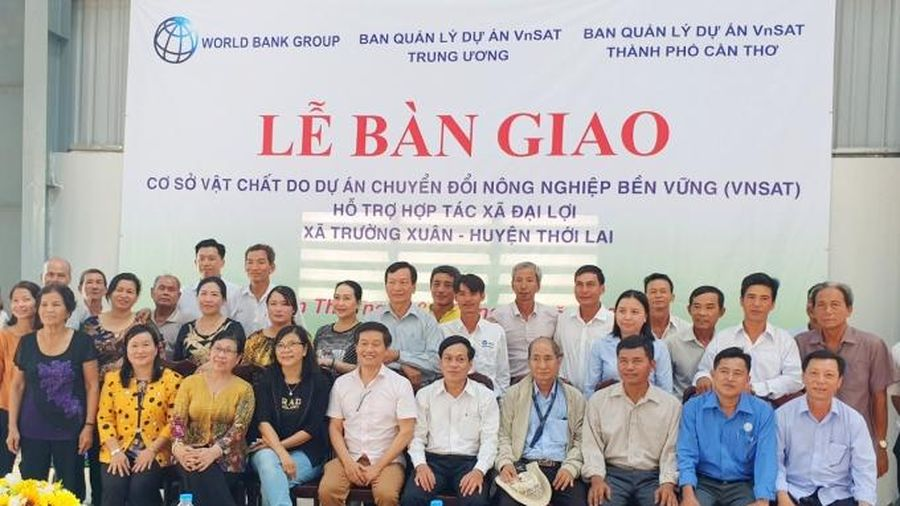 VnSAT hỗ trợ cơ sở vật chất HTX Nông nghiệp Đại Lợi