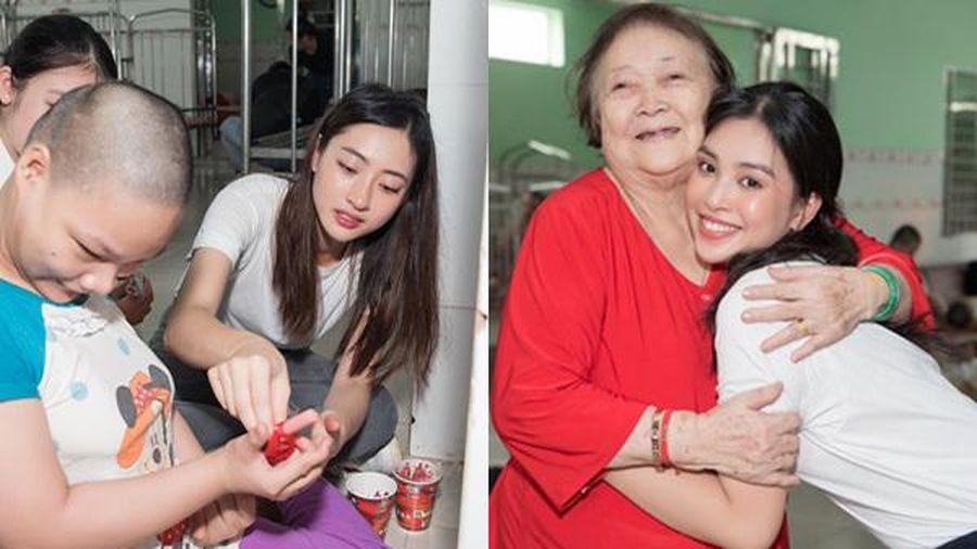 Hoa hậu Tiểu Vy, Lương Thùy Linh tặng quà trẻ mồ côi nhân ngày 1/6