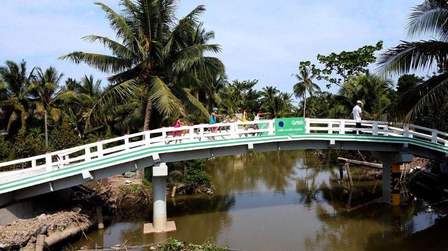 Vĩnh Long: Khánh thành cầu Út Ốm trong Dự án 'Xây cầu đến lớp'