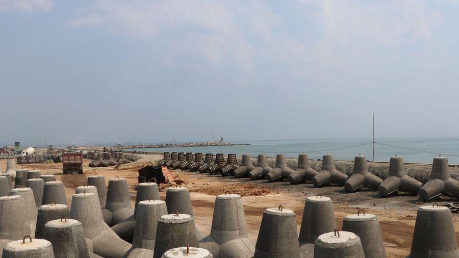 Cận cảnh công trường 'vá' cửa biển Đà Diễn ở Phú Yên