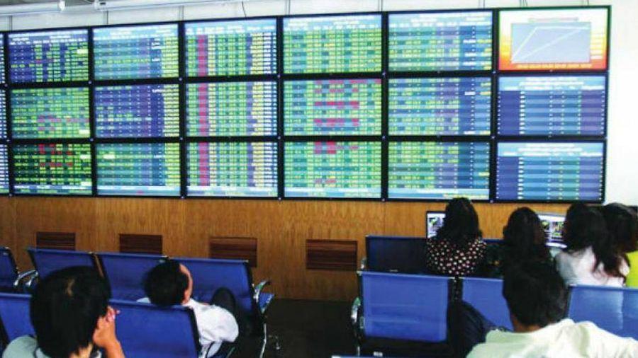 Chứng khoán ngày 1/6: Ngân hàng lập công, VN-Index 'leo dốc'