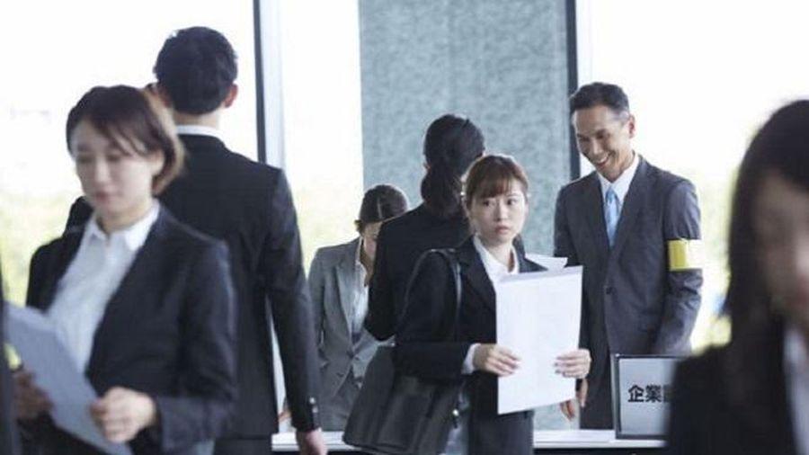 Sinh viên mới ra trường ở Nhật Bản bị chính các 'tiền bối' quấy rối khi đi xin việc