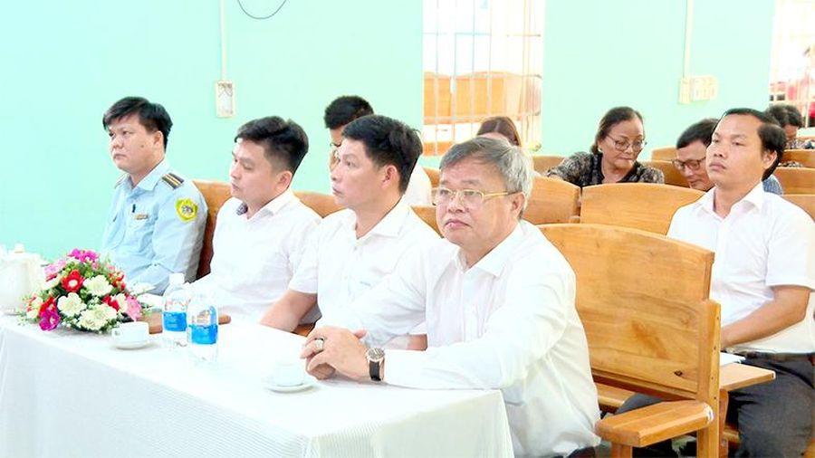 Lãnh đạo tỉnh tiếp xúc cử tri các địa phương